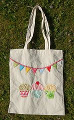 bunting tote - would be cute teacher's gifts...