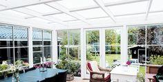 Terrassetakene som forlenger sommeren - Byggmakker.no Pergola, Cottage, Cabin, Outdoor Decor, Home Decor, Terrace, Decoration Home, Room Decor, Cabins