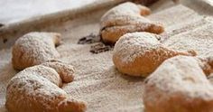 Pastry Filled with Honey, Walnuts and Cinnamon (Skaltsounia) Greek Desserts, Greek Recipes, Cookie Dough Pie, Eat Greek, Cheese Cookies, Greek Cooking, Romanian Food, International Recipes, Bakery