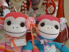 Monkeys Lila e  Bells