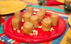 Receitas levam farinha de mandioca e substituem o açúcar branco pelo mascavo