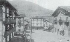 Leitzeko plaza, udaletxe zaharrarekin