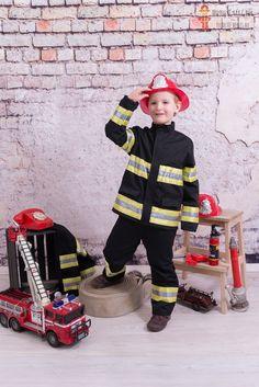 Gyermek tűzoltó jelmez kölcsönzés Harajuku, My Style, Fashion, Moda, Fashion Styles, Fashion Illustrations