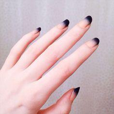 10 Gorgeous Blue Nail Ideas for Summer in 2019 Beauty Life Tips April 25 2020 at nails Gradient Nails, Gel Nails, Acrylic Nails, Galaxy Nails, Nail Nail, Stiletto Nails, Nagellack Design, Black Nail Polish, Nail Art Blue