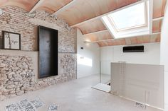 Luz Natural, Stone Houses, Restoration, Construction, Interior Design, The Originals, Modern, Home Decor, Vaulted Ceilings