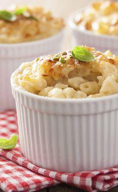 Gratin de coquillettes C'est Bon, Macaroni And Cheese, Ethnic Recipes, Food, Veggie Bake, Grated Cheese, Recipes, Home, Mac And Cheese