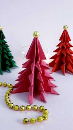 Christmas Paper Crafts, Christmas Origami, Handmade Christmas Decorations, Holiday Crafts, Christmas Crafts, Diy Natal, Diy Crafts For Kids, Diy Crafts Videos, Paper Crafts Origami
