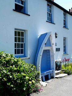 At Boscastle wow - love the half boat seat and the colours are lovely, where do you get half a boat from .wow - love the half boat seat and the colours are lovely, where do you get half a boat from . Devon And Cornwall, Cornwall England, Yorkshire England, Yorkshire Dales, Seaside Garden, Boat Seats, Beach Gardens, Garden Seating, Beautiful Buildings
