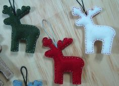 Felt Ornaments -  Cute Reindeer Ornaments Totally Making these!