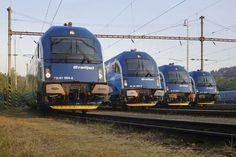 Railjety čekají na pražském odstavném nádraží JIH.