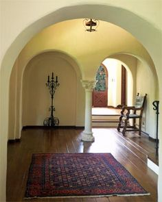 Spanish style homes Spanish Colonial Decor, Spanish Style Homes, Spanish Revival, Dream Home Design, House Design, Wall Design, Tuscan House, Mediterranean Decor, Tuscan Style