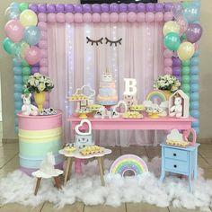 Amo #candycolor Amo #Unicornio #Amo #miniparty Regran @upandjoin #festejandoemcasa #unicorniofestejandoemcasa #FestaUnicornio #bolounicornio