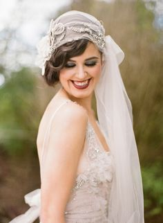 1920s Bridal Style | Jodi McDonald Photography | http://burnettsboards.com/2013/11/celebration-bridal-fashion-decades/