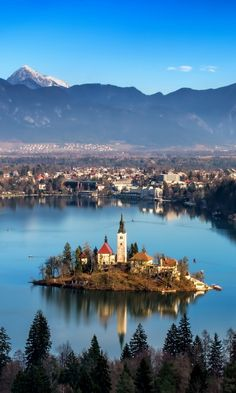Southeastern Europe, Lake Bled, Slovenia This place looks like a fairytale. A small island only accessible swimming or by boat, in the middle of a turquoise water lake surrounded by mountains. Places Around The World, The Places Youll Go, Travel Around The World, Great Places, Oh The Places You'll Go, Places To Visit, Around The Worlds, Klagenfurt, Montenegro