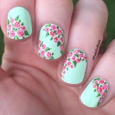 "Jenna Pilcher en Instagram: ""I'm excited to share these floral print nails with you because I'm so happy with how they turned out!! I tend to shy away from florals because they're intimidating to me, but this wasn't too hard.  I was inspired by the lovely @nailsbycambria  My base color is Candy Mint by @shopeighty4 , and the rest is acrylic paint. I used dotting tools and my @stylishnailartshop brush for the details. Topped with @officialpureice matte top coat."""