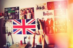 Green Day The Beatles Mcfly Posters Girl Book Dream Rooms, Dream Bedroom, Bedroom Wall, Bedroom Decor, Bedroom Ideas, Bedroom Makeovers, Bedroom Posters, Bedroom Inspo, Bedroom Designs