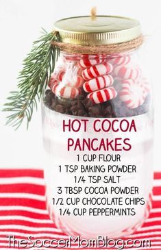 Learn how to make these easy hot cocoa pancake jars from Soccer Mom Blog! This recipe jar is perfect to give to friends and family as a gift for Christmas. You only need a few simple ingredients to create these adorable homemade gifts! Make your own hot cocoa pancakes mason jars this holiday season! #holiday #christmas #hotcocoa #pancakes #recipes #masonjars #giftjars Edible Christmas Gifts, Best Christmas Recipes, Edible Gifts, Christmas Desserts, Christmas Treats, Handmade Christmas, Hot Cocoa Mixes, Best Breakfast Recipes, Jar Gifts