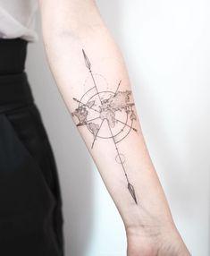 Hand Tattoos For Guys, Small Tattoos, Cool Tattoos, World Map Tattoos, Planet Tattoos, Girl Tattoo Placements, Atlas Tattoo, Model Tattoo, Date Tattoos