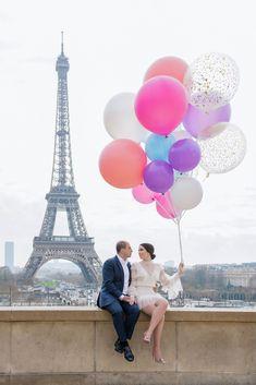 Balloons Photography, Paris Photography, Paris Couple, French Wedding Style, Paris Wallpaper, Romantic Photos, Paris Photos, Photoshoot Inspiration, Photo Shoots
