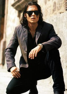 Johnny Depp in Once Upon a Time in Mexico. Omg he was so hot in this movie!