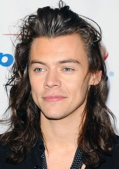 Harry Styles actor: The One Direction de un gran director . Harry Styles 2015, Harry Styles Mode, Harry Styles Fotos, Harry Styles Long Hair, Harry Styles Baby, Harry Styles Pictures, Harry Edward Styles, Harry Styles Man Bun, One Direction