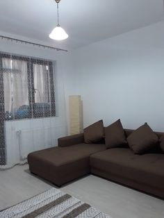 Berceni-Metalurgiei, inchiriere garsoniera mobilata Couch, Furniture, Home Decor, Settee, Decoration Home, Sofa, Room Decor, Home Furnishings, Sofas