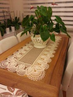 Dantel masa örtüsü