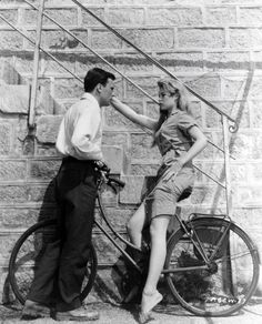 A History of France's Love Affair With the Bicycle - NYTimes.com