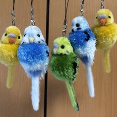 These Pom-Pom Animals Are Our New Craft Obsession for Fall Bird Crafts, New Crafts, Animal Crafts, Cute Crafts, Easter Crafts, Diy And Crafts, Pom Pom Animals, Yarn Dolls, Pipe Cleaner Crafts