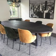 The Top Dining Table Designs Ideas You Will Love Home Room Design, Dining Room Design, Home Interior Design, Black Dining Room Table, Dining Table Chairs, Mesa Oval, Cosy House, House Rooms, Home And Living
