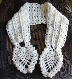 Crochetkari: Crochet Pineapple Neck warmer