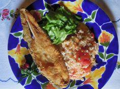 Peixe Galo Frito com Arroz de Tomate e Lima - Descubra mais: http://grafe-e-faca.com/pt/receitas/do-mar/peixe/peixe-galo-frito-com-arroz-de-tomate-e-lima/