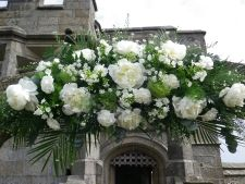 Arch at Pendennis decorated by Tracy Q