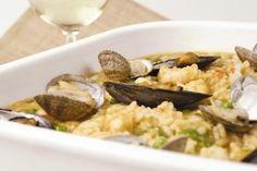 Paella de marisco #receta #recetasMycook Grains, Rice, Chicken, Meat, Cooking, Food, Clams, Seafood Paella, Mussels