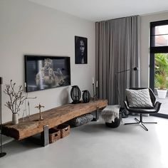 What a beautiful TV furniture. And if there is something that is just perfect here, then it is the floor. Interior Design Living Room, Living Room Designs, Interior Decorating, Living Room Tv, Home And Living, Furniture Design, Tv Furniture, Bedroom Decor, House Design