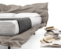 BIG HUG by Mogg / The idea to go to bed and be embraced, in a big hug, feeling the warmth and starting to relax / Design by Claudio Bitetti  http://www.mogg.it/Prodotti/BEDS/BIG-HUG/  #mogg #moggdesign #BigHug #ClaudioBitetti #Bed #Letto #ComeVuoiTu #Interior #Design #InteriorDesign #ItalianFurniture #Italian #Furniture