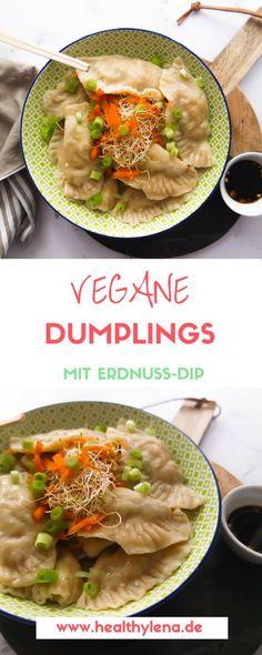 Ein Gericht, das ich beim Vietnamesen neben Sommerrollen immer bestelle? Definitiv vegane Dumplings! Ich liebe die gedämpften Dumplings in meinem Lieblings-Restaurant so sehr, dass ich endlich auch mal welche selbstmachen wollte. Für diese veganen Dumplings mit Erdnuss-Dip benötigst du tatsächlich nur wenige Zutaten – schon kann es losgehen. Das Rezept gibt es jetzt auf healthylena.de :)