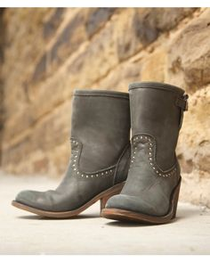 Beautiful leather calls for stunning accents, and the Alexis Boot is lined with studly charm. The stud-rimmed vamp is elegant, yet tough. She's rugged and ready for a country road, while staying chic enough for the city street.