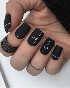 Matte Geometric Nails A universal nail style that suits anyone. Geometric nail art offers plenty of space to be creative. From lines and dots to rectangles and triangles, with its crisp lines and clever design, geometric nail art is here to stay. Cute Acrylic Nails, Cute Nail Art, Nail Art Diy, Easy Nail Art, Diy Nails, Cute Nails, Nail Art Ideas, Pretty Nail Art, Manicure Ideas