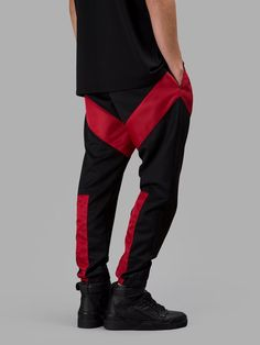 GIVENCHY GIVENCHY MEN'S BLACK TROUSERS. #givenchy #cloth #trousers