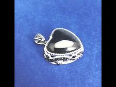 Smooth Black Stone Stainless Steel Heart Pendant - p000095