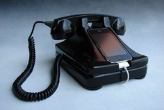iRetrofone #Retro #iPhone What a great idea, haha :))))