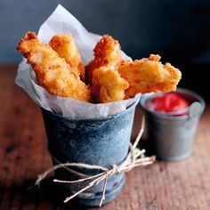This is the perfect dish for a family dinner. Chicken goujons with homemade ketchup