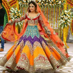 25 Trendy Lehenga designs for Navratri & Garba 2019 - Buy lehenga choli online Indian Bridal Outfits, Indian Bridal Lehenga, Indian Bridal Wear, Pakistani Bridal Dresses, Indian Designer Outfits, Wedding Lehnga, Wedding Hijab, Wedding Wear, Wedding Suits
