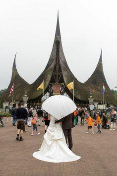Kirsten Van Meer-van Ineveld en haar man besloten om op 6 juli 2012 hun trouwfoto's te laten maken in de Efteling