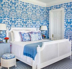 Fresh and appealing A gorgeous bedroom Mallory Mathison Brunschwig Lhasa chinoiserie print . - Architecture and Home Decor - Bedroom - Bathroom - Kitchen And Living Room Interior Design Decorating Ideas - Blue Teen Girl Bedroom, Teen Girl Bedrooms, Blue Bedroom, Trendy Bedroom, White Bedrooms, Girl Room, Do It Yourself Design, Georgia Homes, Chinoiserie Chic