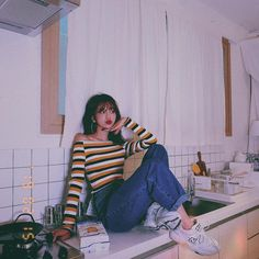 Best Photo Poses, Girl Photo Poses, Girl Photography Poses, Girl Photos, Korean Girl Fashion, Blackpink Fashion, Kim Namjoon, Kim Taehyung, Lisa Blackpink Wallpaper