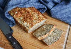 Nydelig proteinbrød med chiafrø - Treningsfrue Banana Bread, French Toast, Baking, Breakfast, Desserts, Morning Coffee, Tailgate Desserts, Patisserie, Dessert