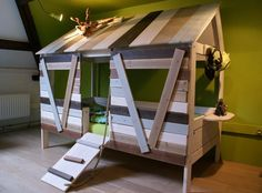 Treehouse basebed by JustKiddingkidsrooms, via Flickr