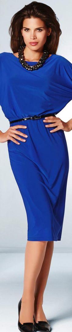 New dress blue royal wedding gowns 44 Ideas Blue Fashion, Look Fashion, Beautiful Gowns, Beautiful Outfits, Royal Blue Party Dress, Blue Gown, Royal Wedding Gowns, Wedding Blue, Dress Wedding
